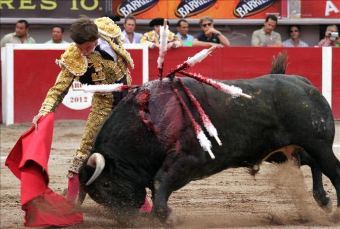 Desbarajuste Feriante – Pinchazos y Pies Torcidos. Quinta de Feria 2012. Crónica de Feria (II)
