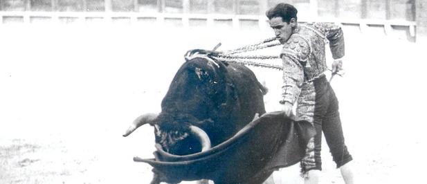 POESÍA: El Último Encierro – Benítez Carrasco sobre la muerte de Belmonte.