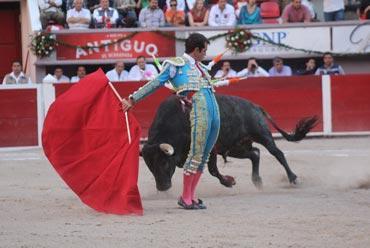El torero en 3D de Macias, un toreo en el fondo vacio