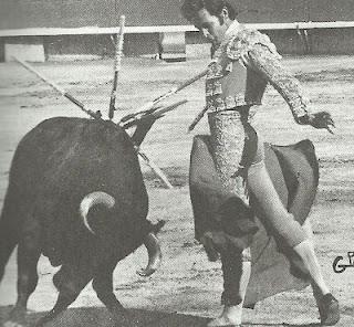 Se presentó en la Plaza de toros México el 25 de junio de 1972. Alternó con Gilberto Ruiz Torres y Aurelio García Montoya con novillos de Suárez del Real, cortándole una oreja al sexto de la tarde. Esa temporada hizo el paseíllo en siete ocasiones.