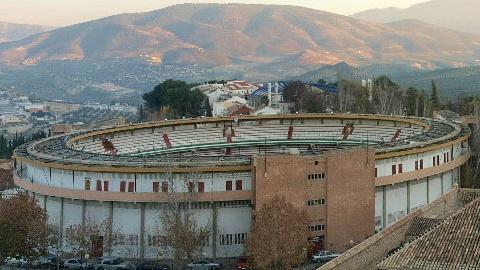 España en crisis, los ayuntamientos sin dinero y los presupuestos para las ferias por los suelos.