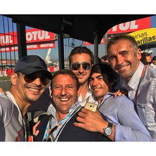 Instagram photo by jmmanzanares - En Valencia con @dfelfandi, Domingo y algunos amigos disfrutando de las motos!!!!