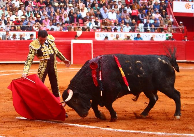 La Virtud del Emperador – Concierto a Plenitud de Enrique Ponce.
