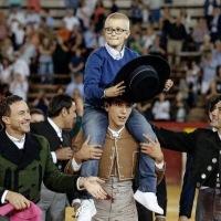 Muere Adrián, el niño insultado por querer ser torero
