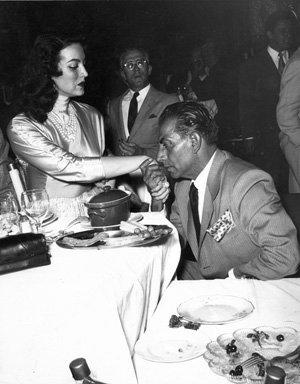 María Félix y Joaquín Rodríguez,Cagancho 1956. Foto por Enrique Bordes.