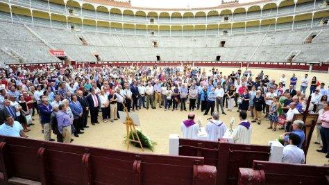 Misa funeral en recuerdo del torero en la Plaza de Toros de Las Ventas de Madrid. (Diego Perez Cabeza / EFE)