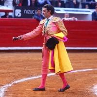 RADAR TAURINO: La Mezquindad Tomasista – Una Posible y Plateada Respuesta de Enrique Ponce.