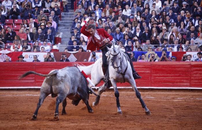 Se terminó el amorío entre Pablo Hermoso y el público de la Plaza México y como muestra fue la peor entrada en los últimos diez años para ver al rejoneador navarro.