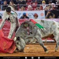 Ocho con Ocho:SantacolomeñosPor Luis Ramón Carazo
