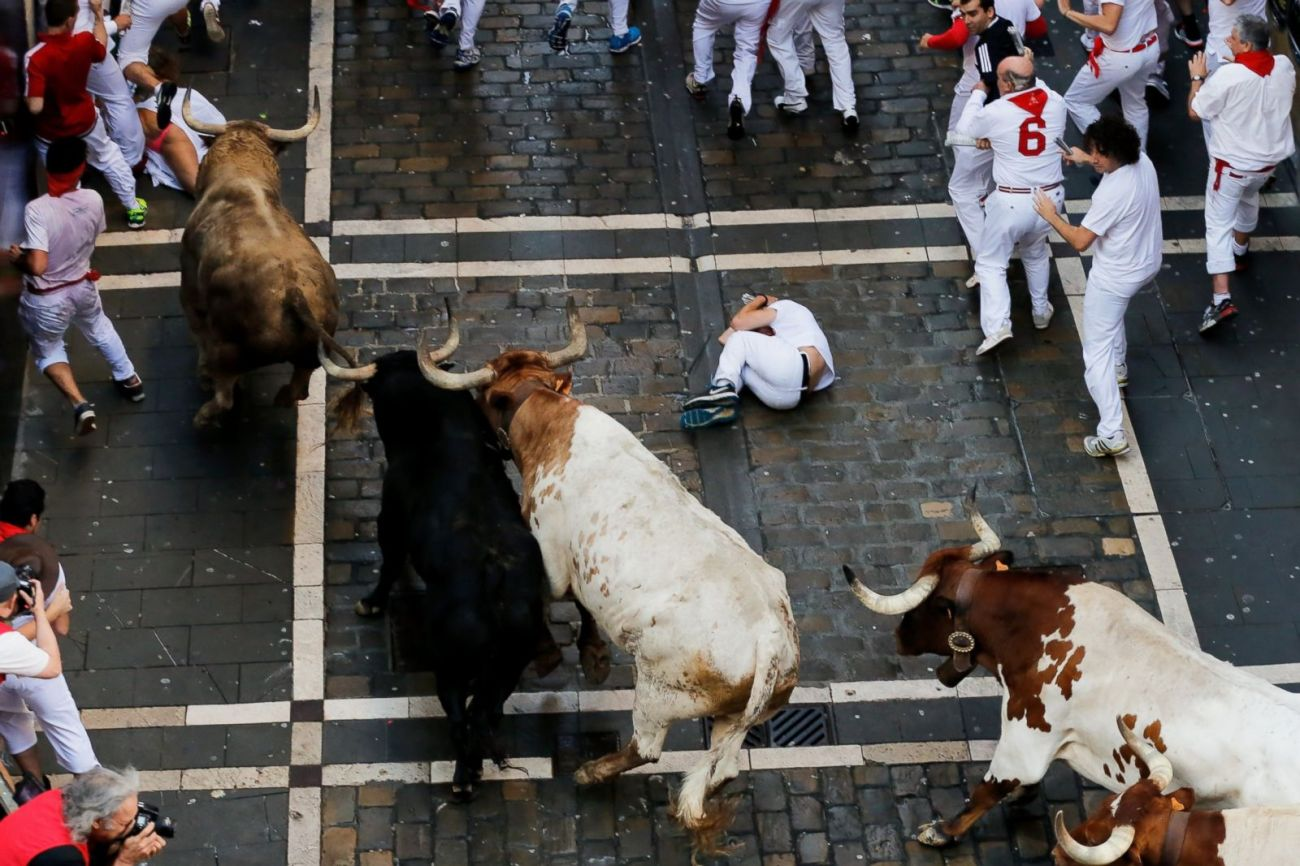 GTY_running_of_the_bulls_as_02_160707_3x2_1600