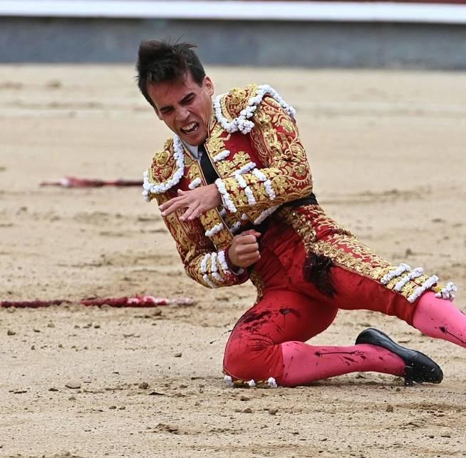 graf9352-madrid-12-10-2019-el-diestro-gonzalo-caballero-en-el-tradicional-festejo-del-dia-de-la-hispanidad-con-toros-de-la-ganaderia-de-valdefresno-y-con-el-que-ademas-se-cierra-la-temporada-2019-en-la-primera-plaza-del-mundo-efe-fernando-villar.jpg