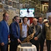 """León: Presentan la escultura de """"San Sebastián Mártir"""" que se disputará en la """"Corrida del Arte"""" del domingo."""