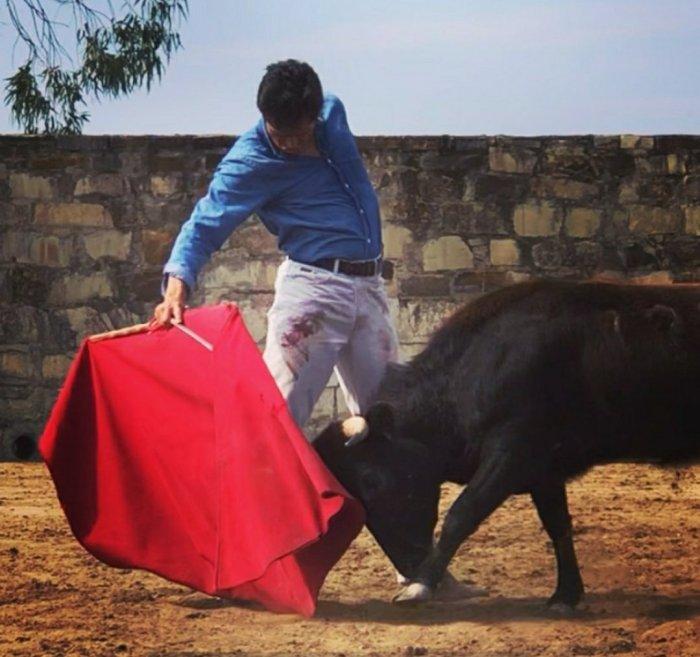 Juan Fernando continúa preparándose intensamente en el campo bravo.