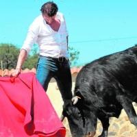 """Finito de Córdoba, desatado en Castillejo de Huebra: """"Importa más arreglar el toreo que ir a ver al ministro"""""""
