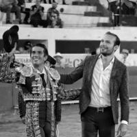 """Ciudad Juárez: Un inspirado """"Calita"""" sale en hombros de la Alberto Balderas."""